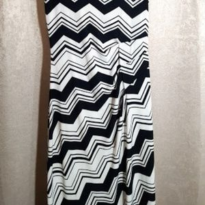 Enfocus Studio Dresses - Enfocus Studio Black & White Maxi Dress Size 4